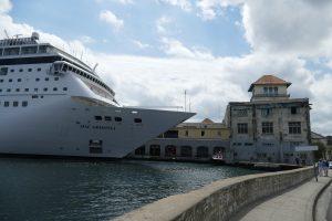 Für schabel-kultur-blog.de  recherchierte Michaela Schabel über Kreuzfahrten nach Havanna, Kuba.