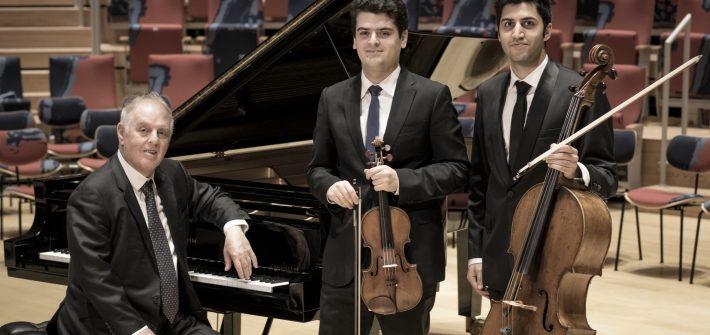 Michaela Schabel besuchte für schabel-kultur-blog.de das Konzert von Barenboim und Soltani mit Stücken von Beethoven und Goers