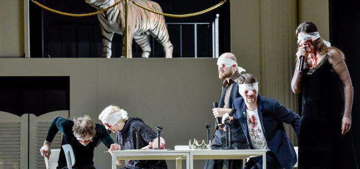 """Michaela Schabel besuchte für schabel-kultur-blog.de die Inszenierung von Frank Richter Jelinek """"Am Königsweg"""" , eine Produktion des Thalia-Theaters"""