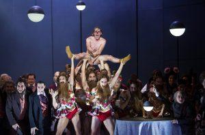 "schabel-kultur-blog.de präsentiert Opernkritik der ""Nase"" in der Komischen Oper Berlin."
