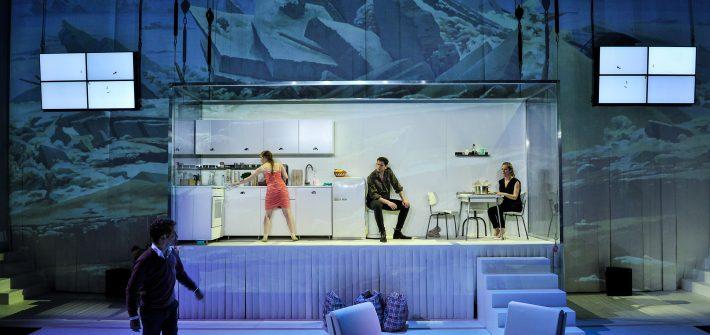 "Theaterkritik ""Stück Plastik"" präsentiert von schabel-kultur-blog.de"