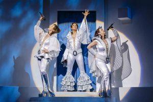 """Musical """"Mamma Mia"""" präsentiert von www.schabel-kultur-blog.de"""