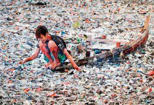 """Ausstellung """"Überleben im Müll"""" im Willy-Brandt-Haus präsentiert von www.schabel-kultur-blog.de"""