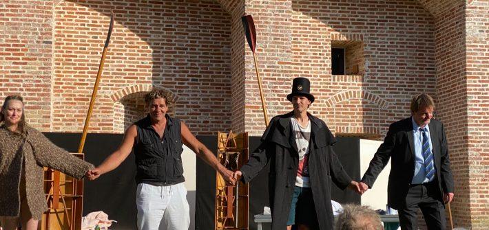 """""""Love Letters"""" vom Landestheater Niederbayern präsentiert von www.schabel-kultur-blog.de"""