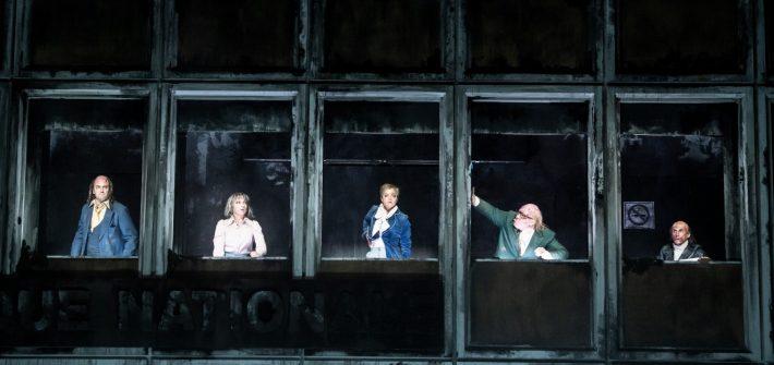 """theaterkritik """"Dantons Tod"""" im Residenztheater München präsentiert von www.schabel-kultur-blog.de"""