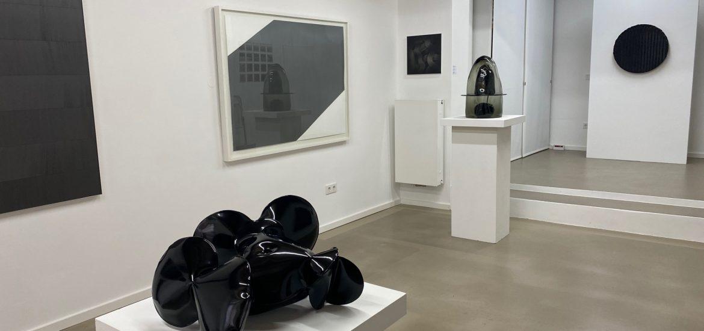 """Ausstellung """"beyondBlack"""" in der Galerie LAProjects präsentiert von www.schabel-kultur-blog.de"""