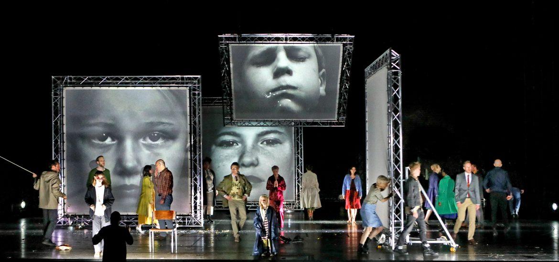 """""""Dekalog"""" im Residenztheater präsentiert von www.schabel-kultur-blog.de"""