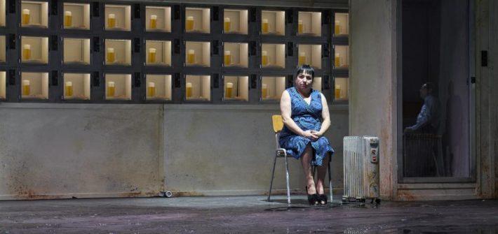 """Theaterkritik """"Das Automatenbüffett"""" beim Berliner Theatertreffen präsentiert von www.schabel-kultur-blog.de"""