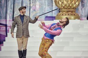 """Theaterkritik Oscar Wildes """"Bunbury"""" im Stadttheater Regensburg präsentiert von www.schabel-kultur-blog.de"""