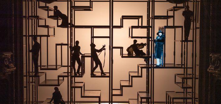 """Theaterkritik """"Dreigroschenoper"""" im Berliner Ensemble präsentiert von www.schabel-kultur-blog.de"""