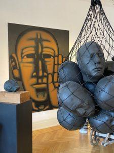 """Ausstellung """"Kopflos"""" in der Galerie Schmalfuss Berlin präsentiert von www.schabel-kultur-blog.de"""