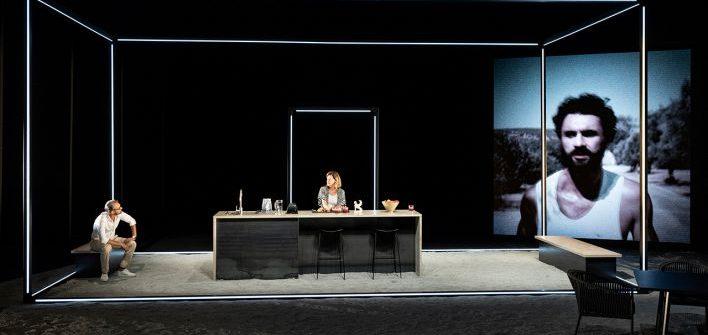 """Theaterkritik """"ödipus"""" in der Berliner Schaubühne präsentiert von www.schabel-kultur-blog.de"""